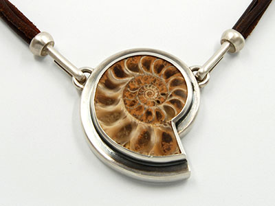 Kette mit Ammonit